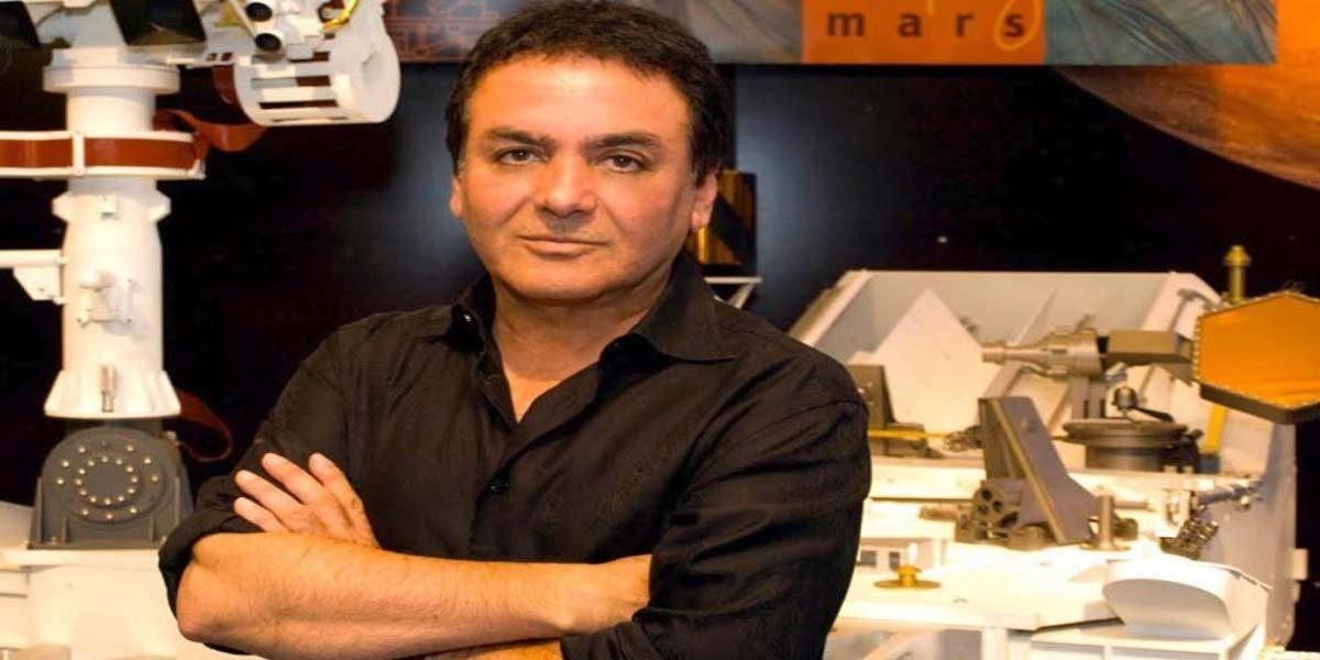 زندگینامه دکتر فیروز نادری و 30 سال همکاری با ناسا