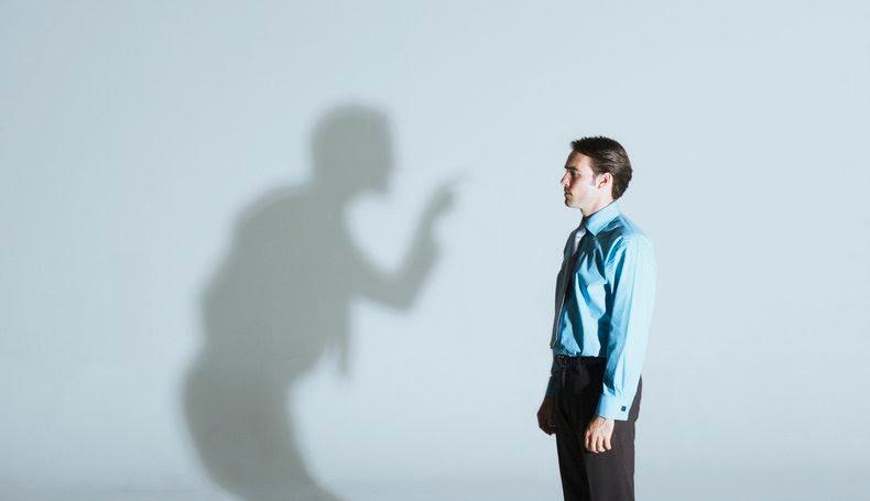 چرا انتقاد باعث آزار و خشم میشود؟